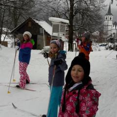 Učenci 4. in 5. razreda na snegu